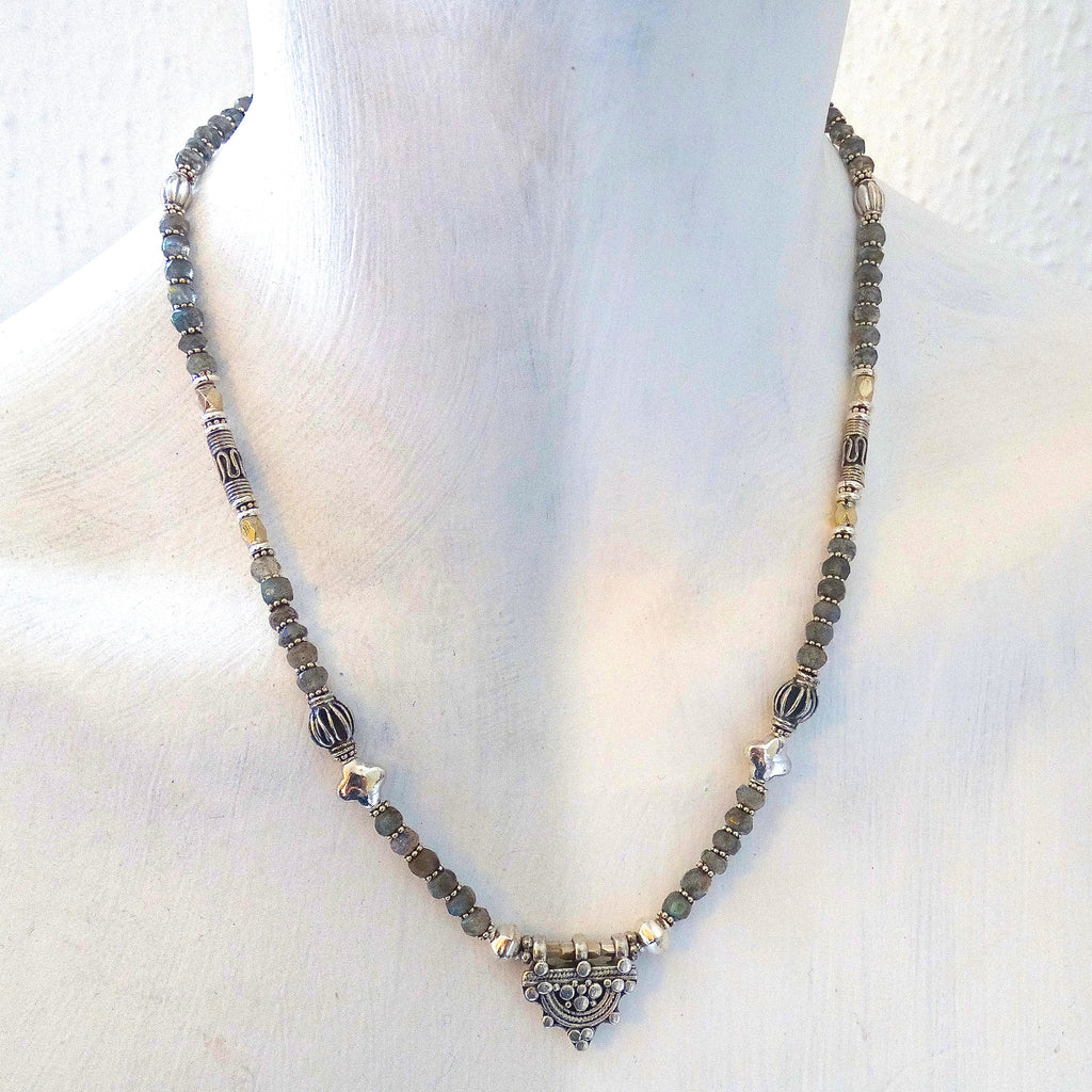 Labradorite and Sterling Silver Telsum Necklace - Beyond Biasa