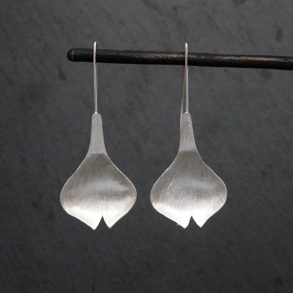 Brushed Sterling Silver Tulip Flower Drop Earrings - Beyond Biasa