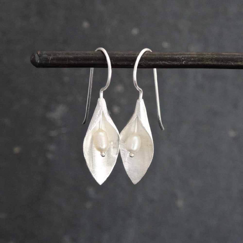 Brushed Silver and Pearl Leaf Earrings - Beyond Biasa