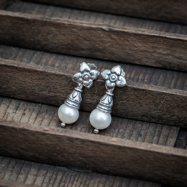 Pearl and Sterling Silver Flower Flute Earrings - Beyond Biasa