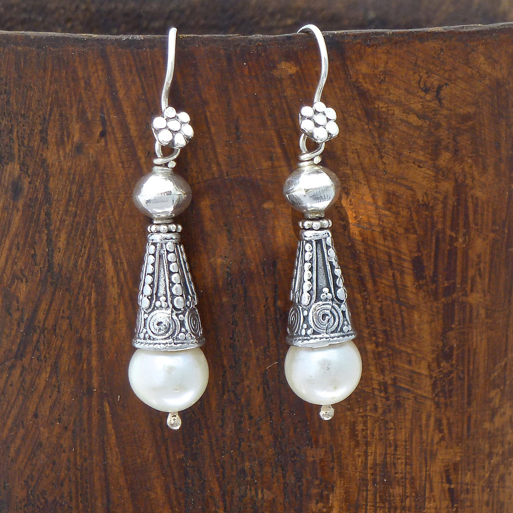 Pearl and Sterling Silver Flute Earrings - Beyond Biasa