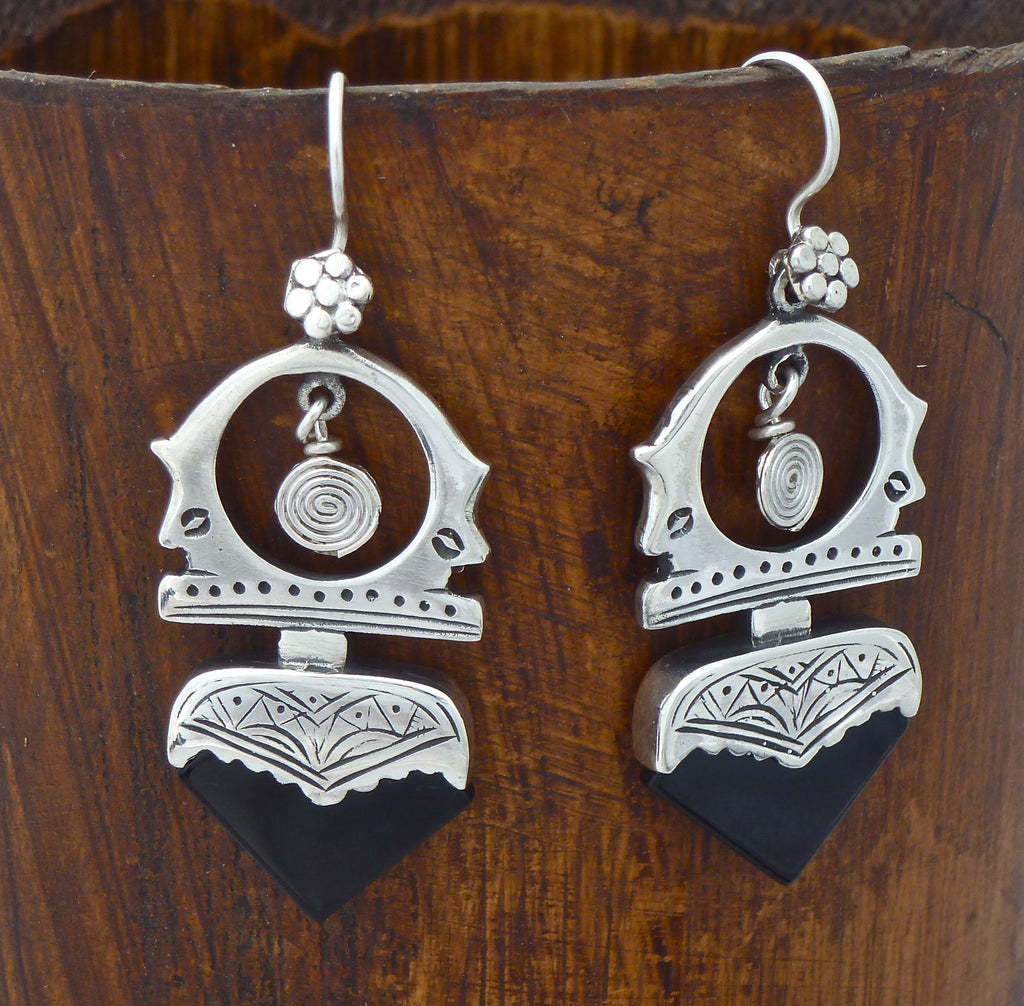 Sterling Silver and Black Onyx 'Tuareg' Earrings - Beyond Biasa