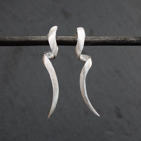 Brushed Silver Twist Stud Earrings - Beyond Biasa