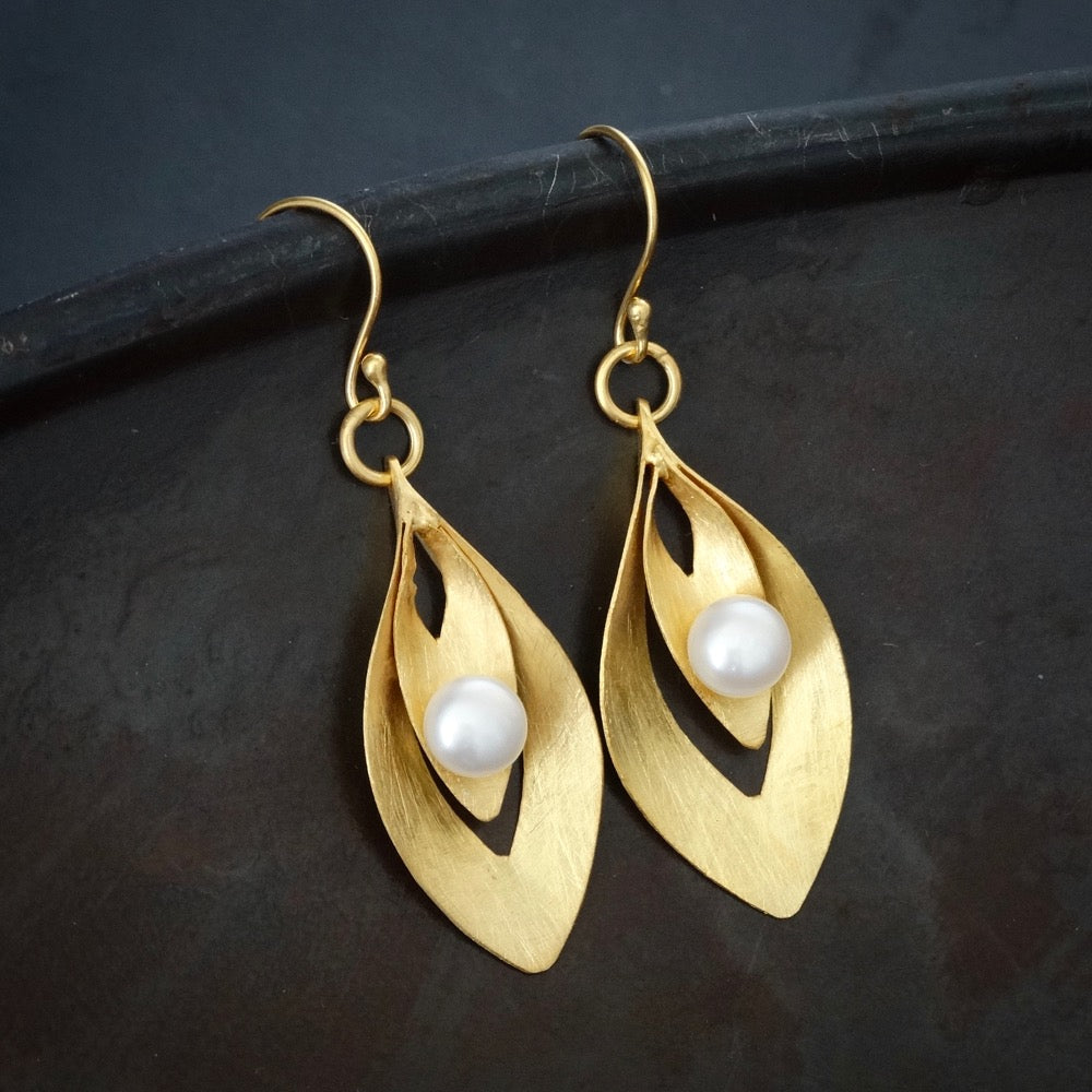 Brushed Gold Vermeil and Freshwater Pearl Curved Drop Earrings - Beyond Biasa