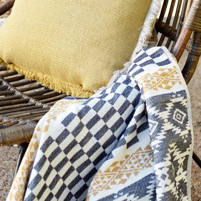 Natural white & Dark blue & Mustard Gilao Strandtuch | Home & Living inspiration | URBANARA