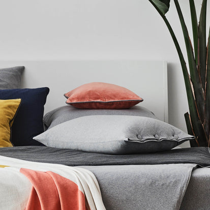 Papaya & Grey Suri Kissenhülle | Home & Living inspiration | URBANARA
