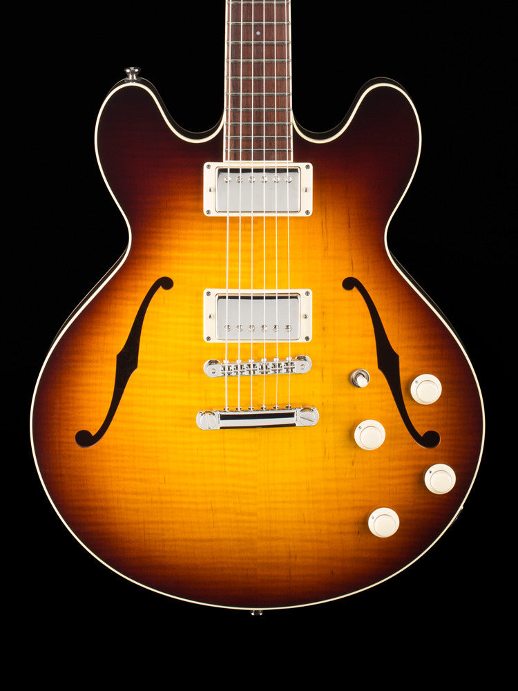 Collings I35 Deluxe $6100.00 - Flame Maple Top - Tabacco  Sunburst