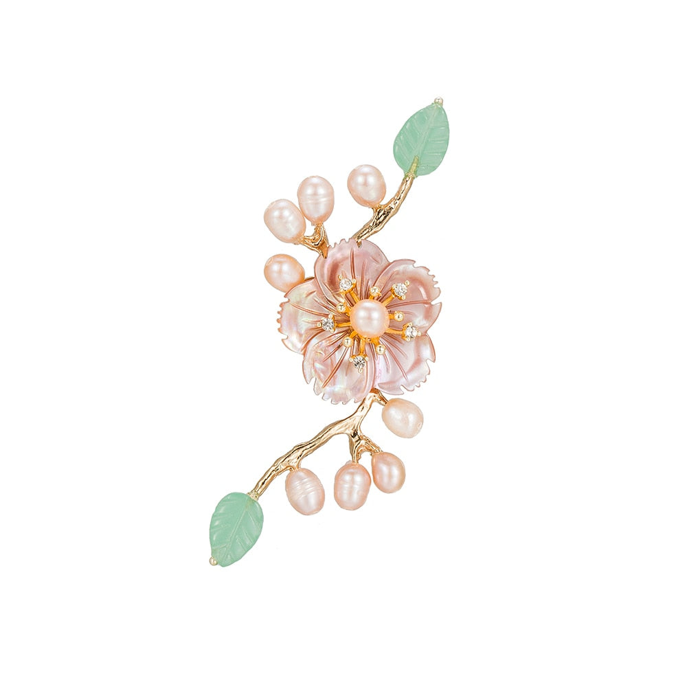 Aventurin and Pearl Brooch with Shell Flower