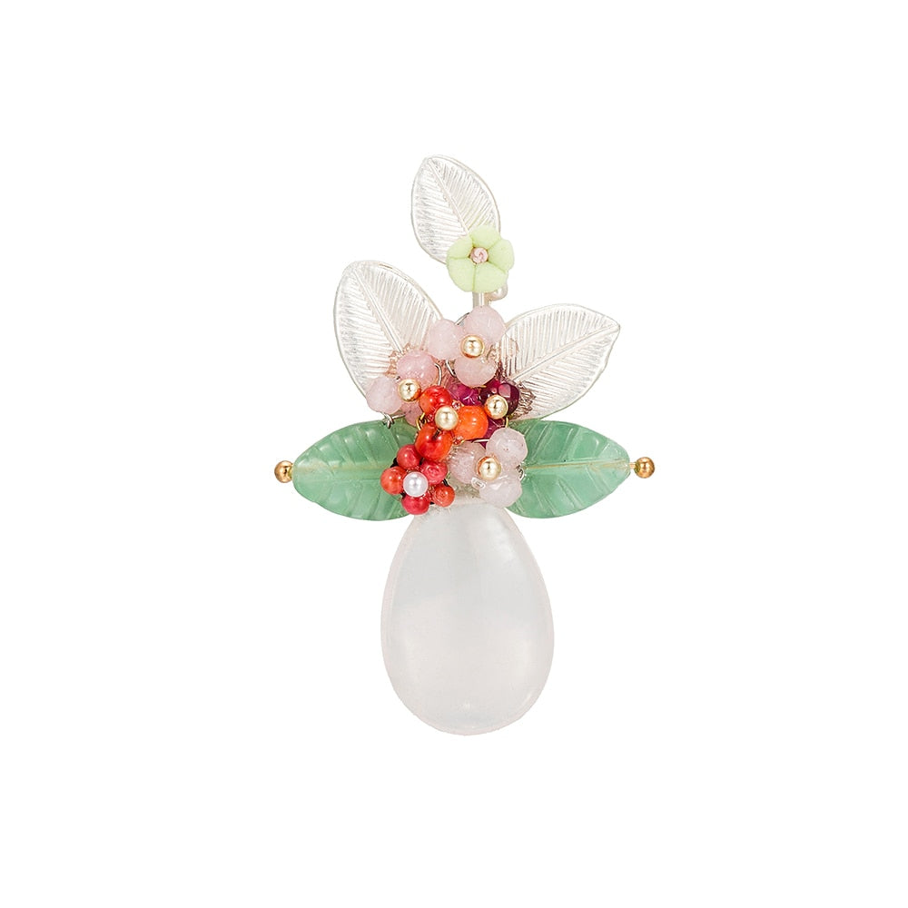 Rose Quartz, Aventurin and shell Floral Brooch
