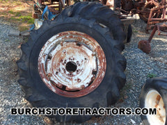 Oliver 440 tractor wheels