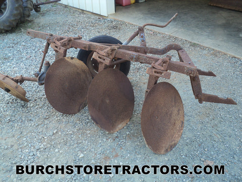 Farmall 300 Tractor 2 Point Hitch Disc Turning Plow