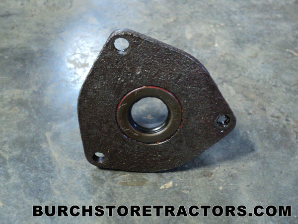 transmission differential bearing retainer for farmall cub. Black Bedroom Furniture Sets. Home Design Ideas