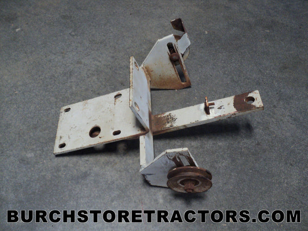 Woods L306 Mower Bracket