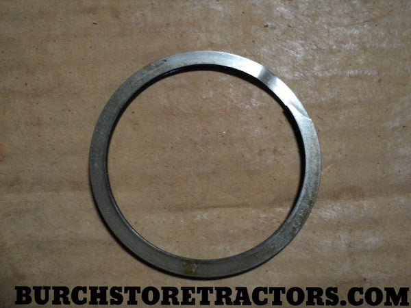 Thermostat Snap Ring Farmall 257441R1
