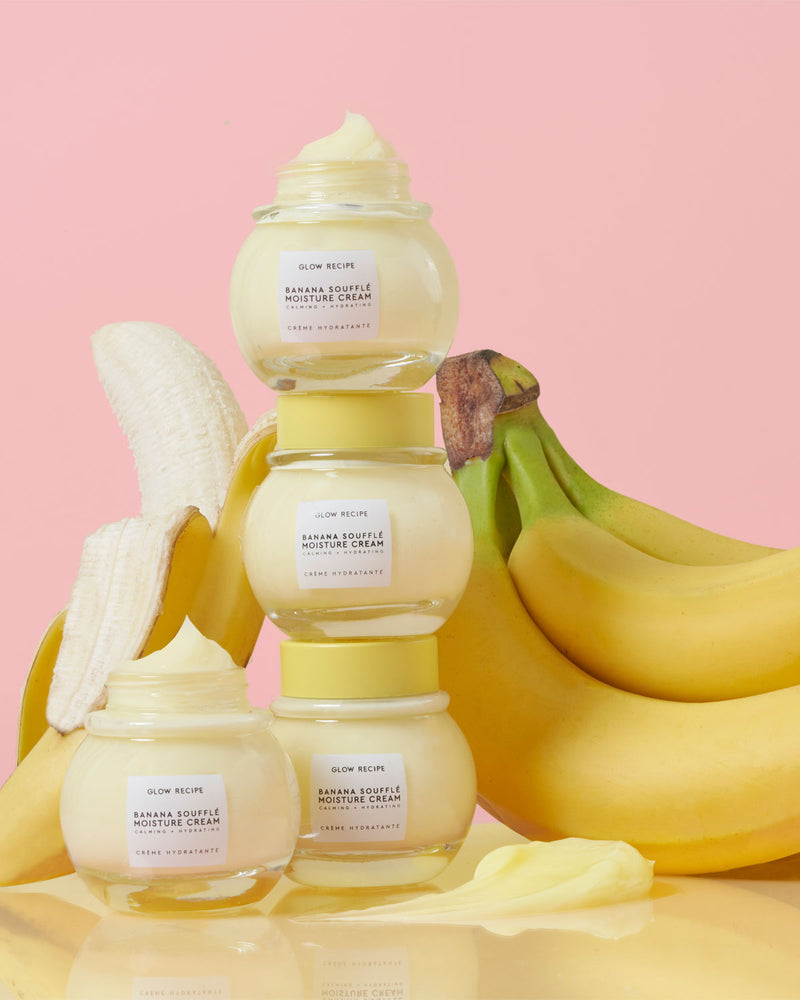 Banana soufflé moisture cream packaging and fresh banana