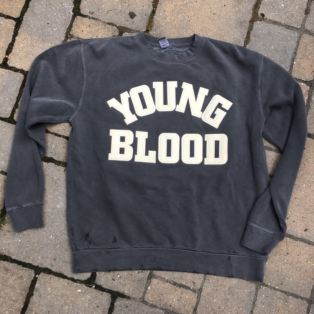Youngblood Felt Lettering Crewneck Sweatshirt Pigment Washed Black