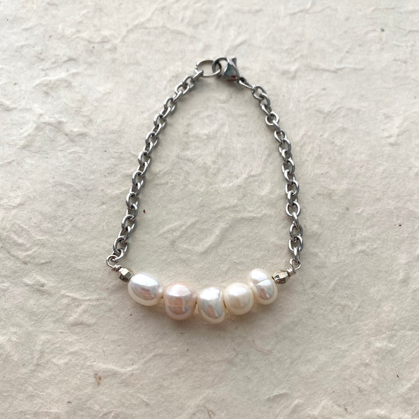 Silvery White Pearls on Stainless Chain Bfacelet