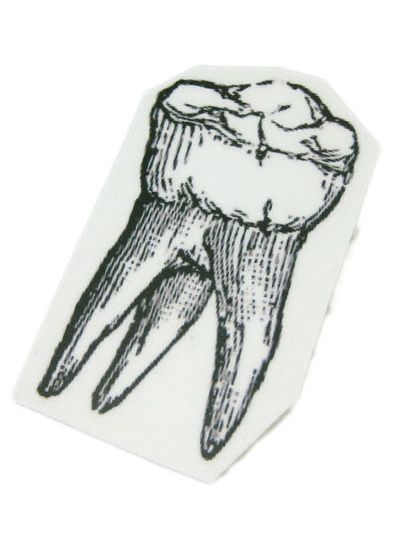 Halloween Tooth Badge