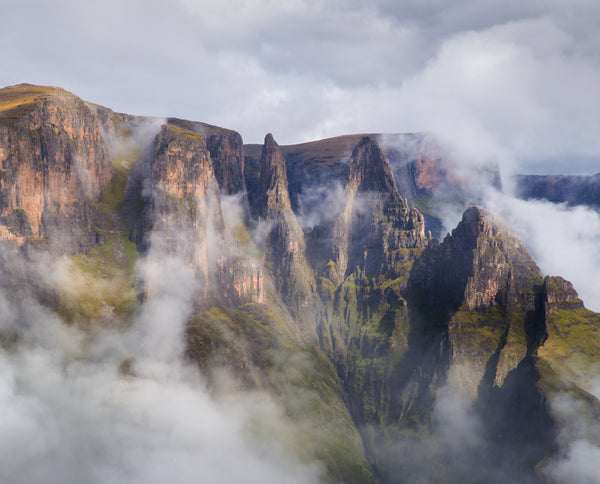 Spirit of the Drakensberg - A photographic journey by Richard Hunt