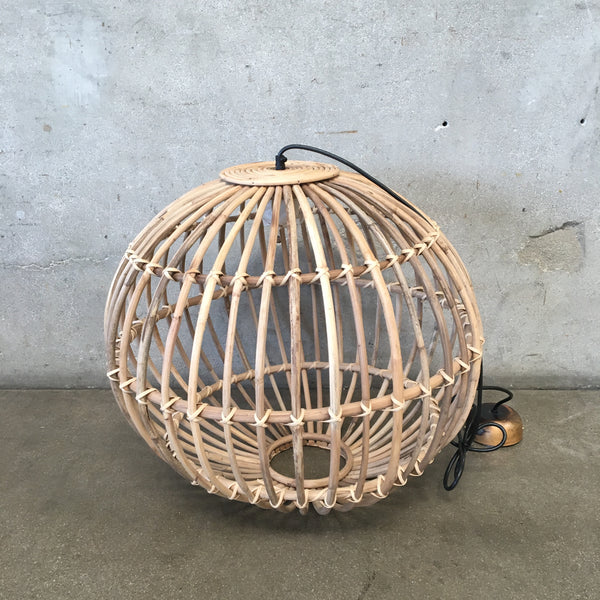 Round Hand Woven Pendant Lamp