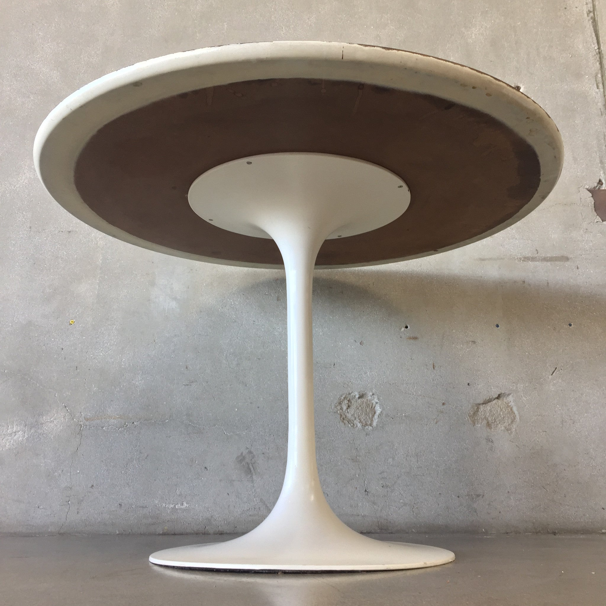 Awesome ... Saarinen Style Table U0026 Chairs By Burke ...