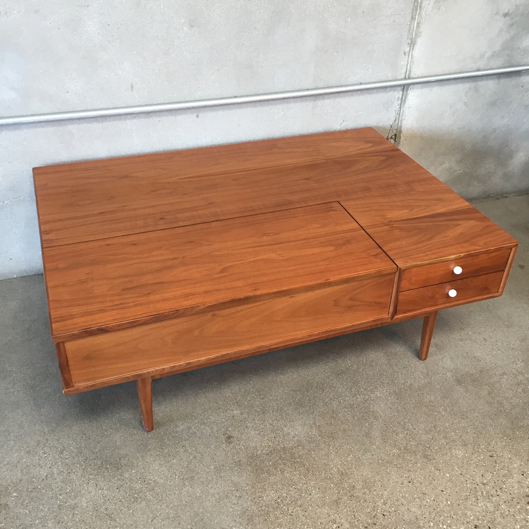 Mid century kipp stewart for drexel coffee table urbanamericana mid century kipp stewart for drexel coffee table geotapseo Image collections