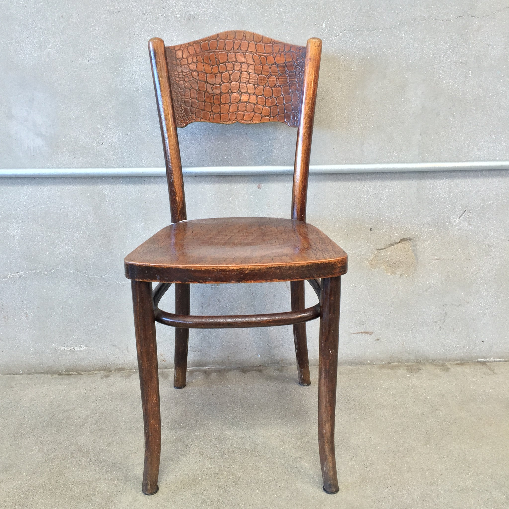 Antique Thonet Alligator Chair – UrbanAmericana