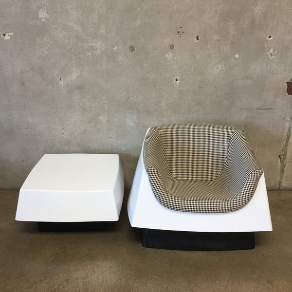 Mid Century Modern Fiberglass Sculptural Chair & Side Table