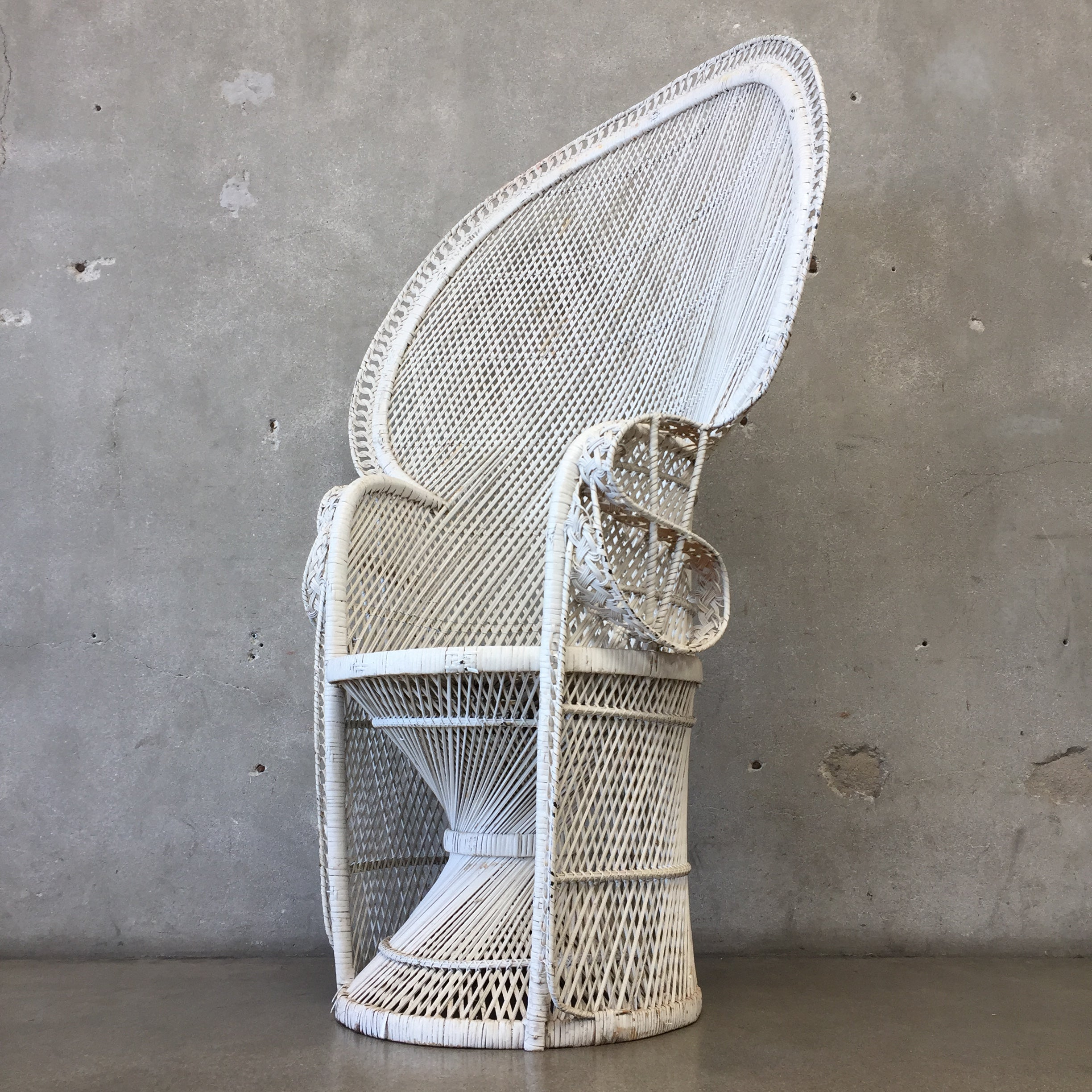 ... Vintage White Peacock Chair ...