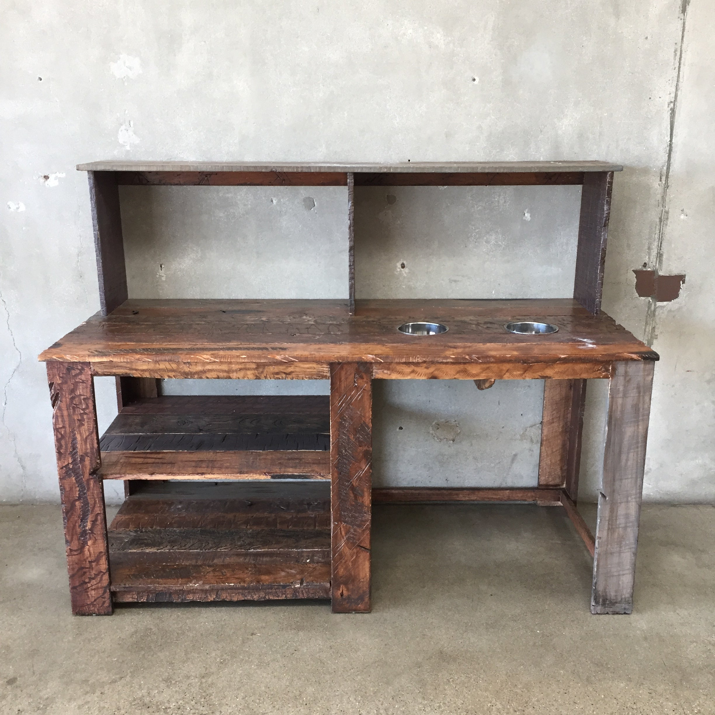 old pin from bench made pallet this tim door an table potting blue