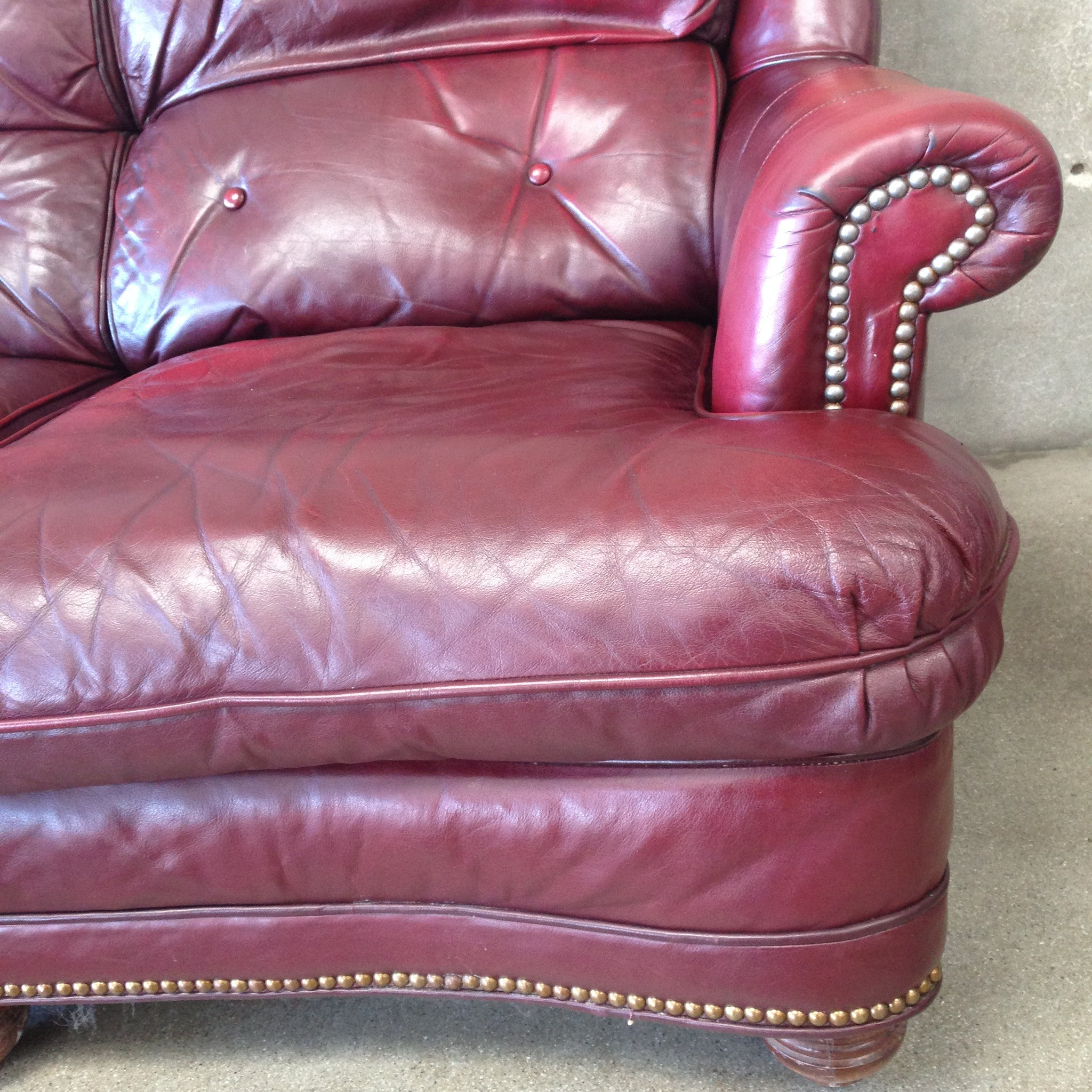 Vintage Ox Blood Leather Tufted Sofa – UrbanAmericana