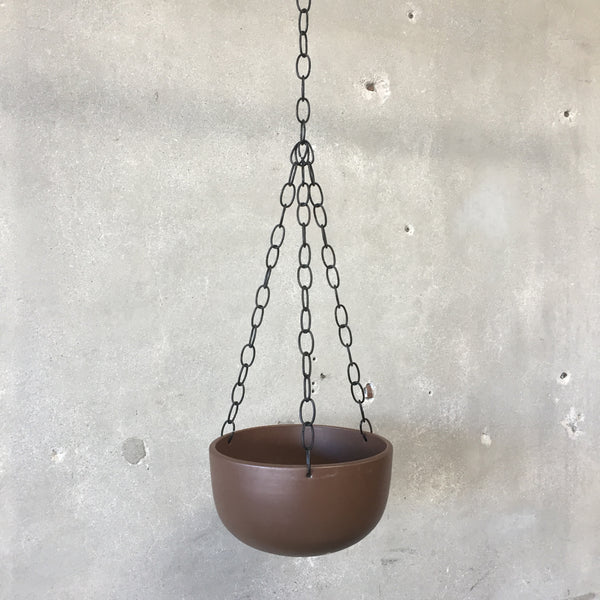 Matte Brown Hanging Gainey Pot