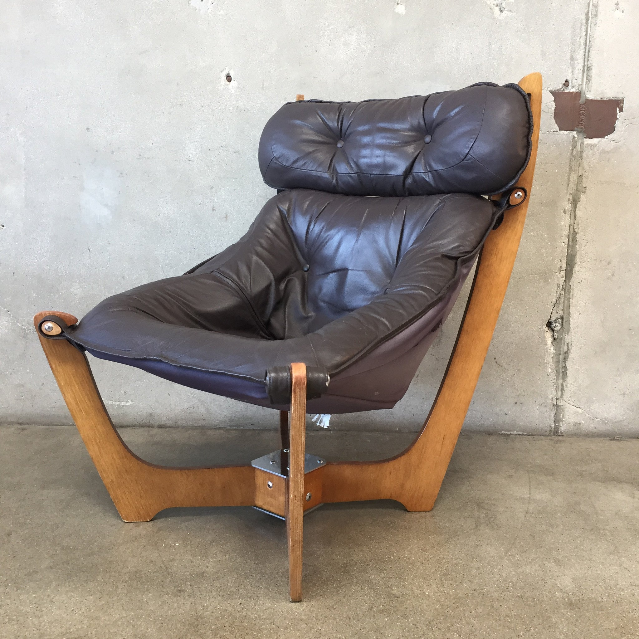 ... Vintage Leather Luna Chair By Odd Knutsen For IMG Norway ...