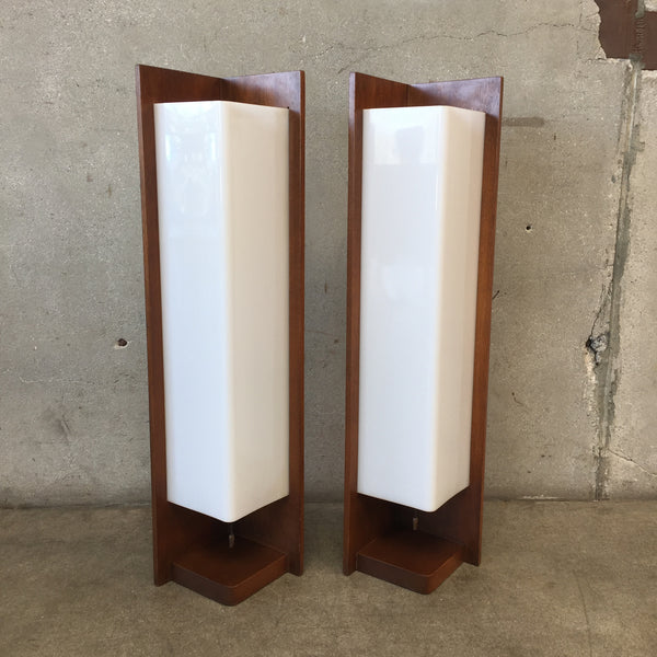 Vintage Pair of Modeline Table Lamps