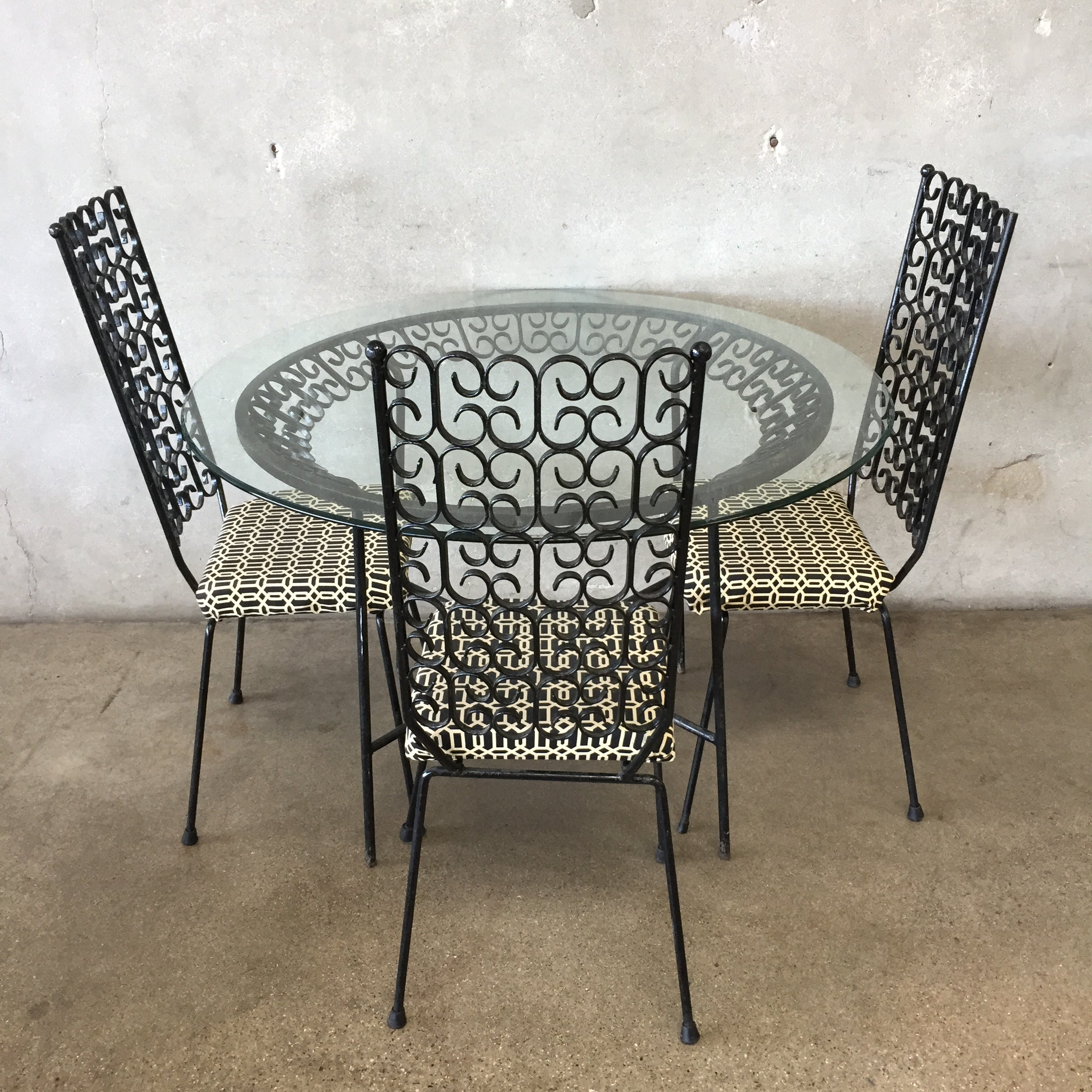 8ac2f4987391 Vintage Mid Century Arthur Umanoff Wrought Iron Patio Set. Tap to expand