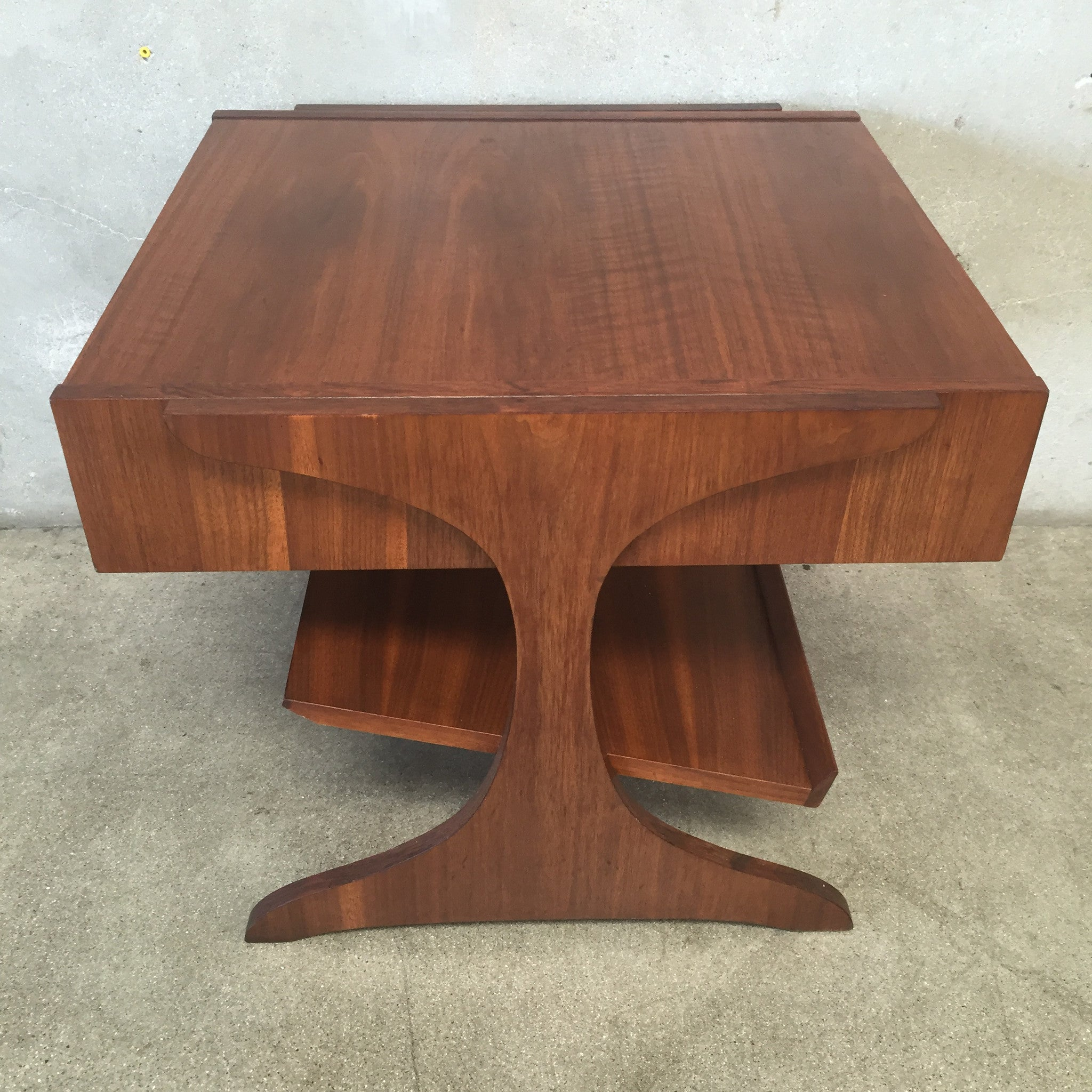 kroehler walnut end table with magazine rack - Kroehler Furniture