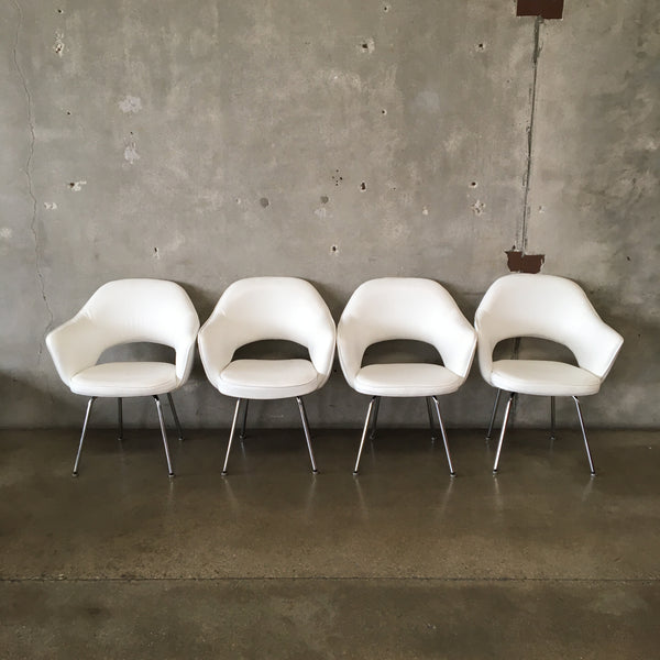 Set of four Mid Century Knoll Style Chairs in White Leather