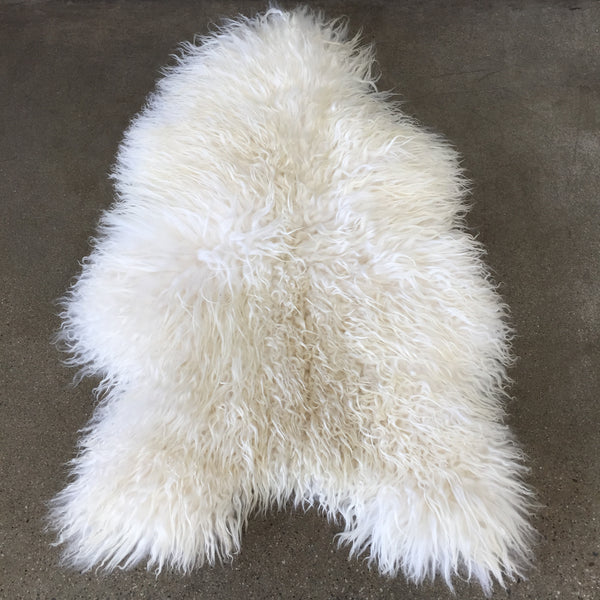 New White Icelandic Sheepskin