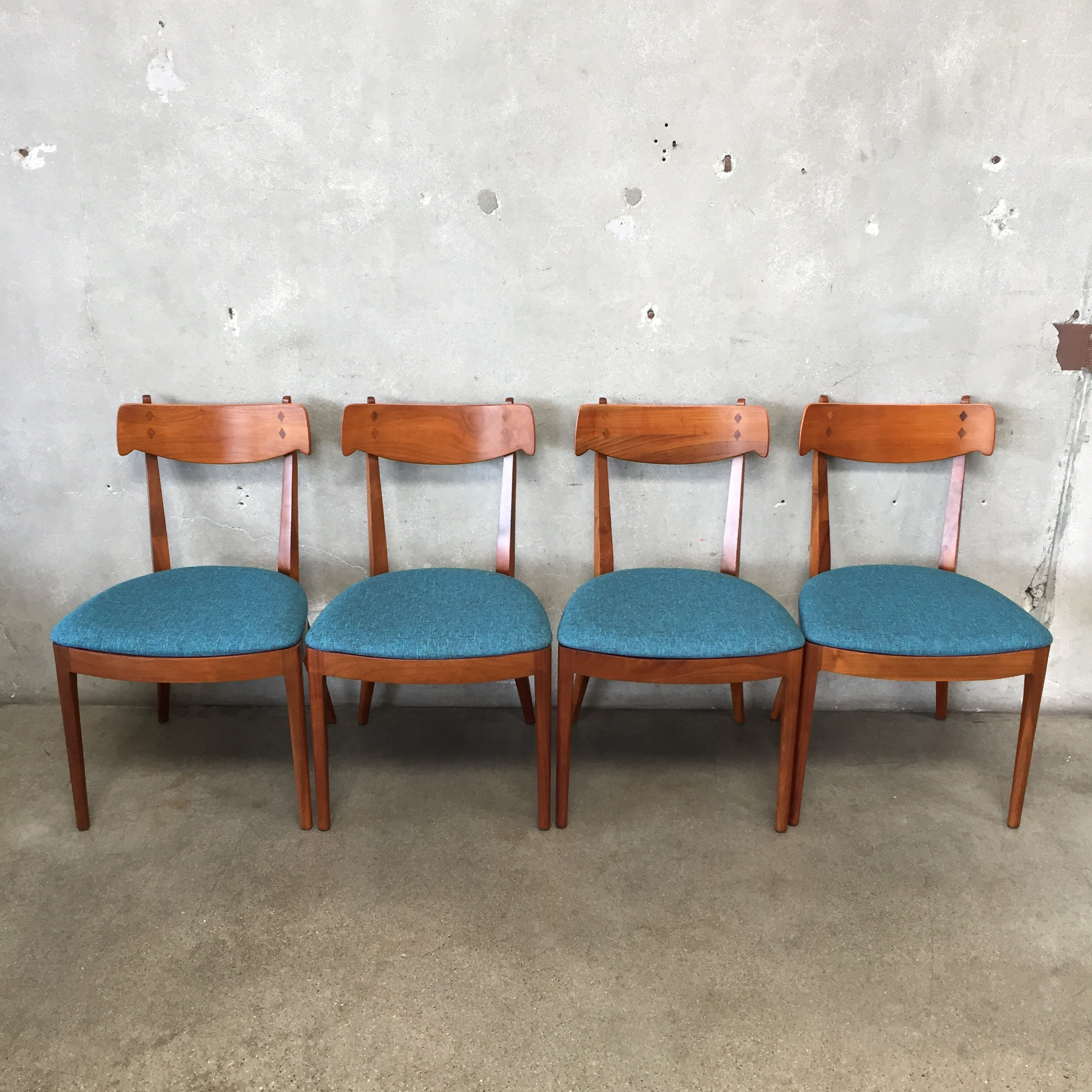 Miraculous Set Of Four Mid Century Modern Drexel Dining Chairs Dailytribune Chair Design For Home Dailytribuneorg