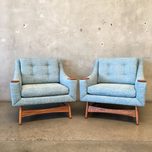 Pair of Mid Century Lounge Chairs by Kroehler