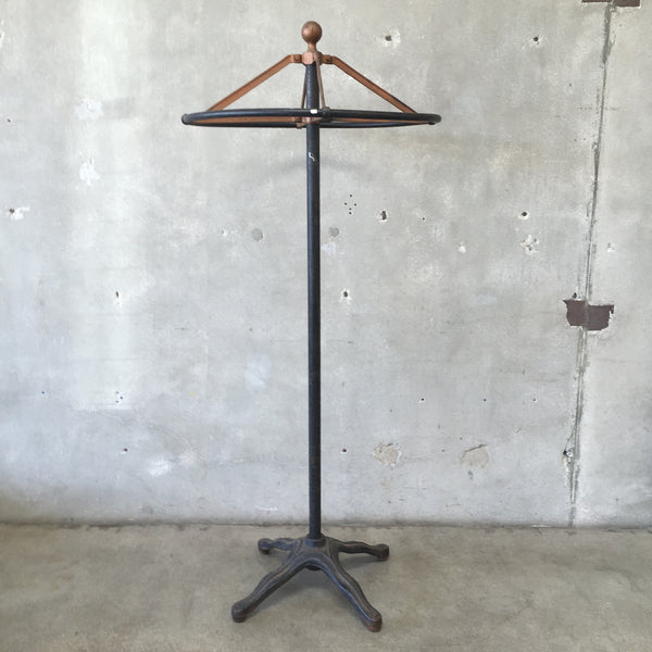 Industrial Rounder Clothing Rack