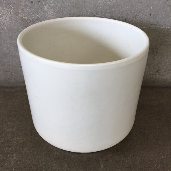 Mid Century Modern White Gainey Pot