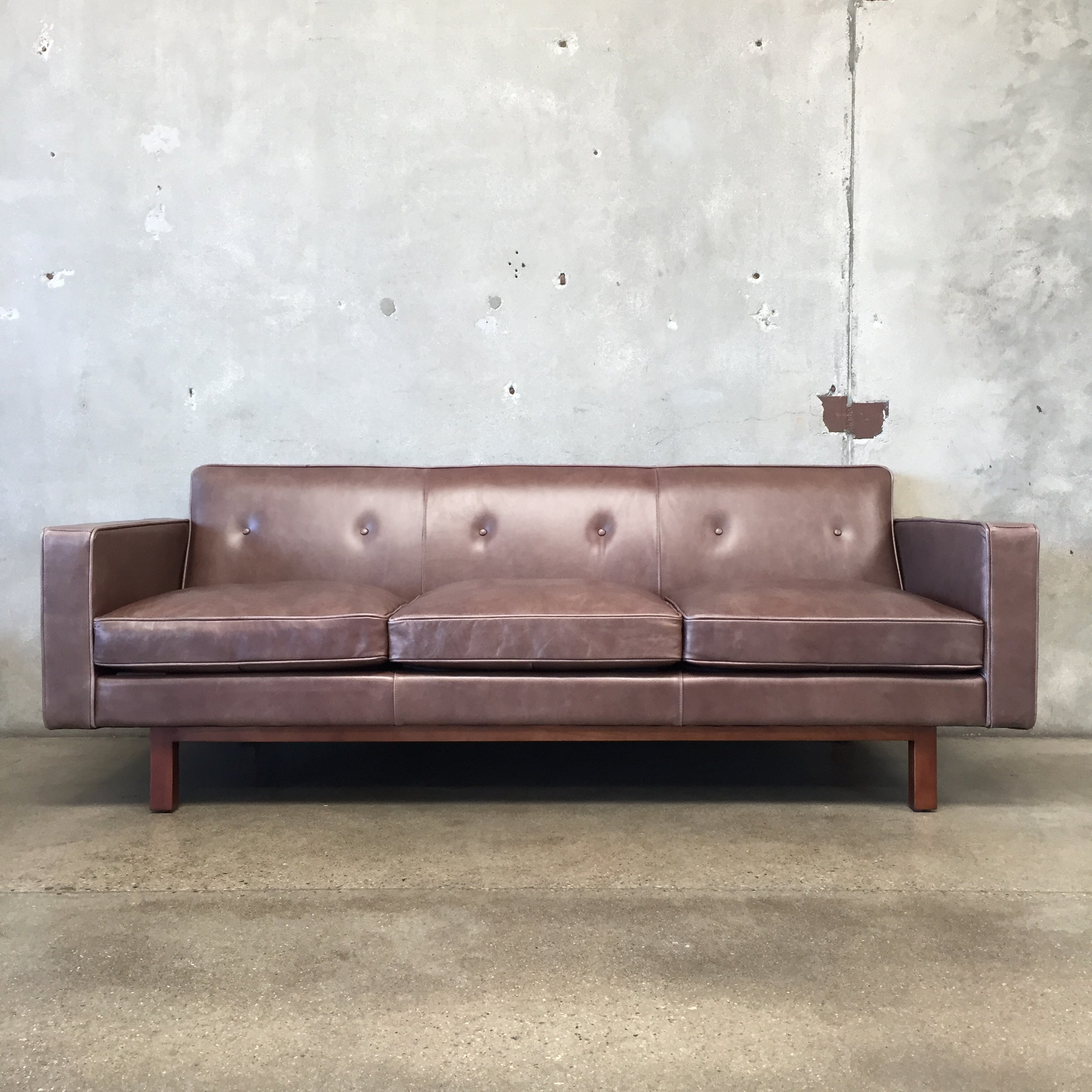 Groovy Embassy Leather Sofa By Gus Modern Ibusinesslaw Wood Chair Design Ideas Ibusinesslaworg