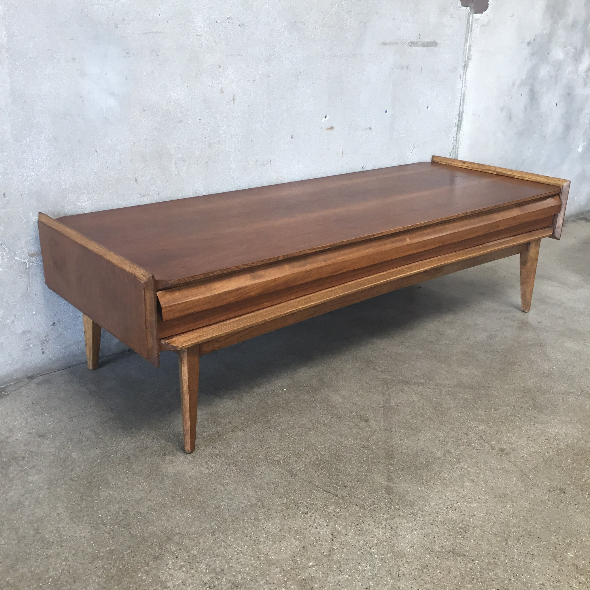 Mid Century Coffee Table by Lane – UrbanAmericana