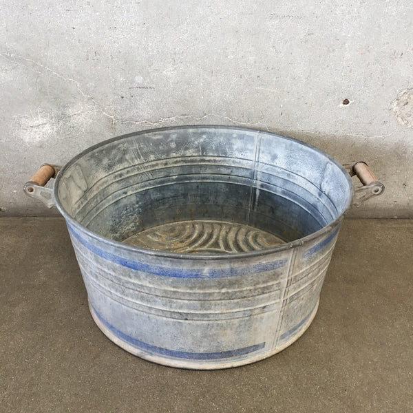 Galvanized Wash Bucket with Wood Handles