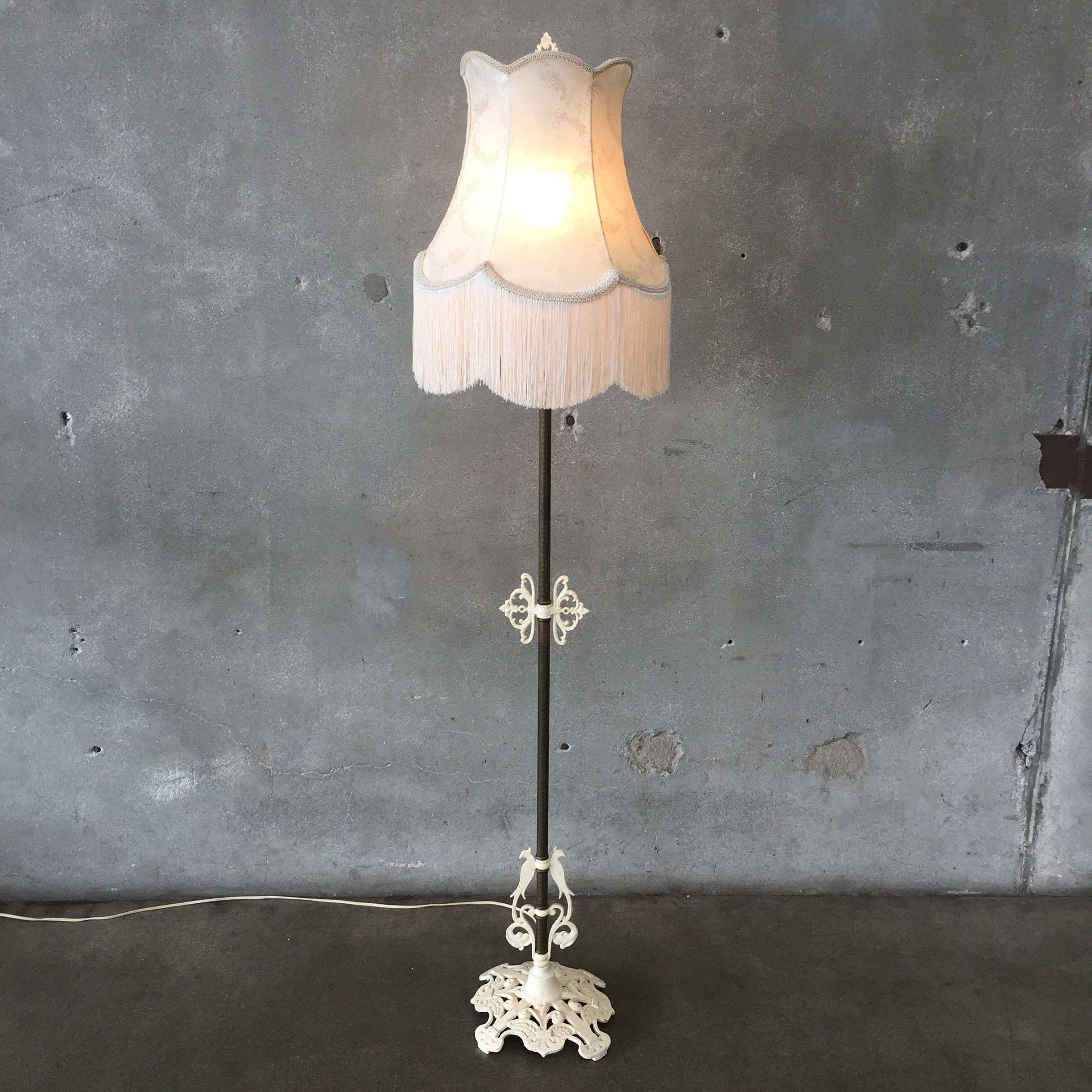 French vintage floor lamp with fringe shade urbanamericana for Antique floor lamp with fringed shade