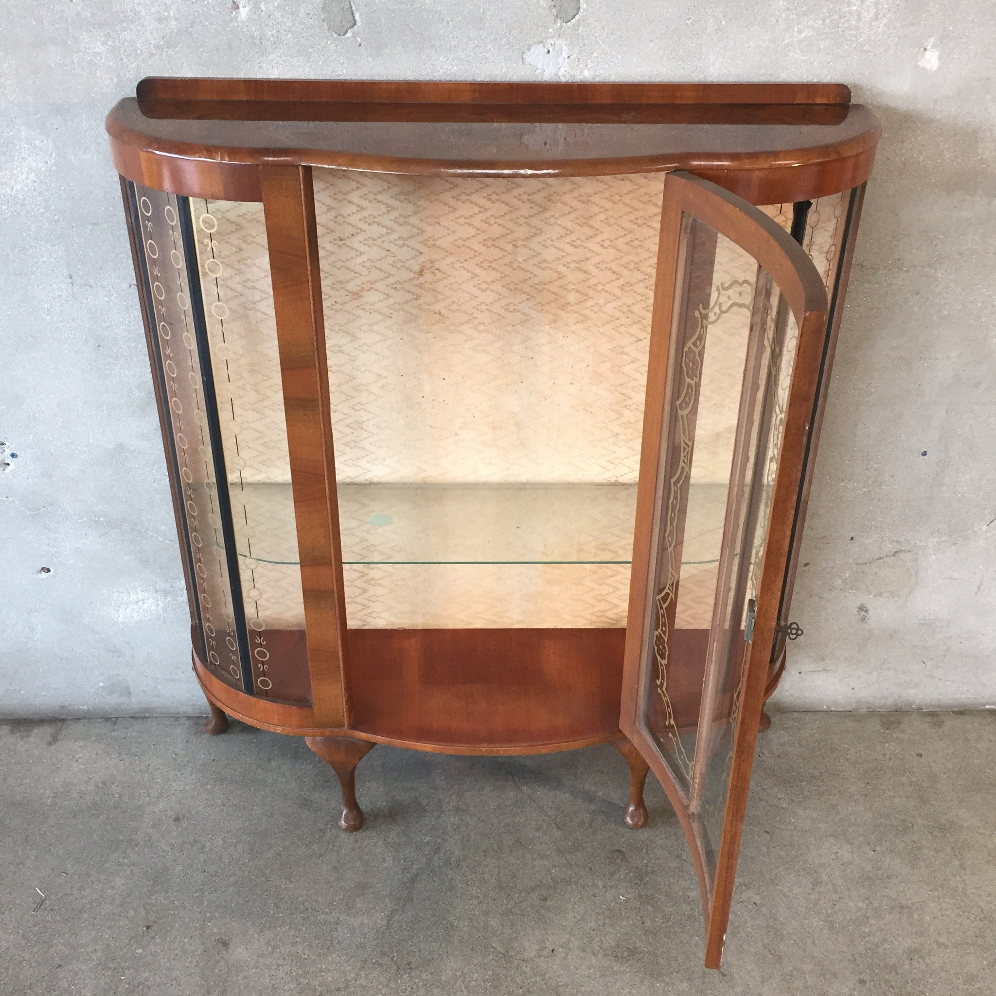 Glass Curio Cabinets With Lights Antique Curved Glass Curio Cabinet Urbanamericana