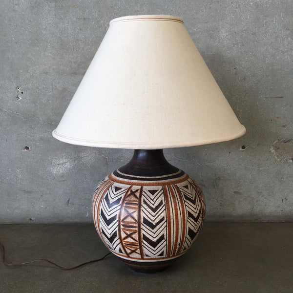 Vintage Southwestern Themed Lamp With Shade