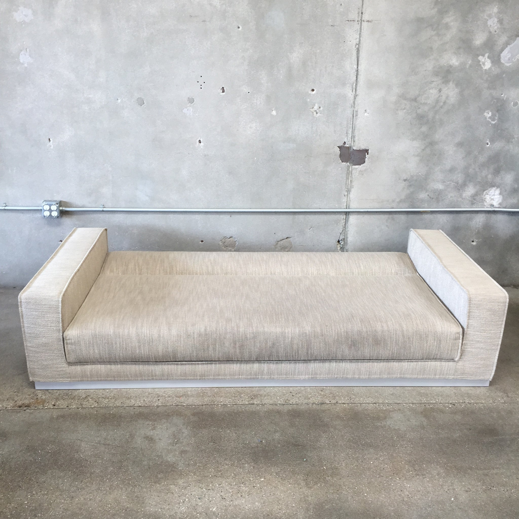 Dwr Havana Sleeper Sofa With Storage Urbanamericana