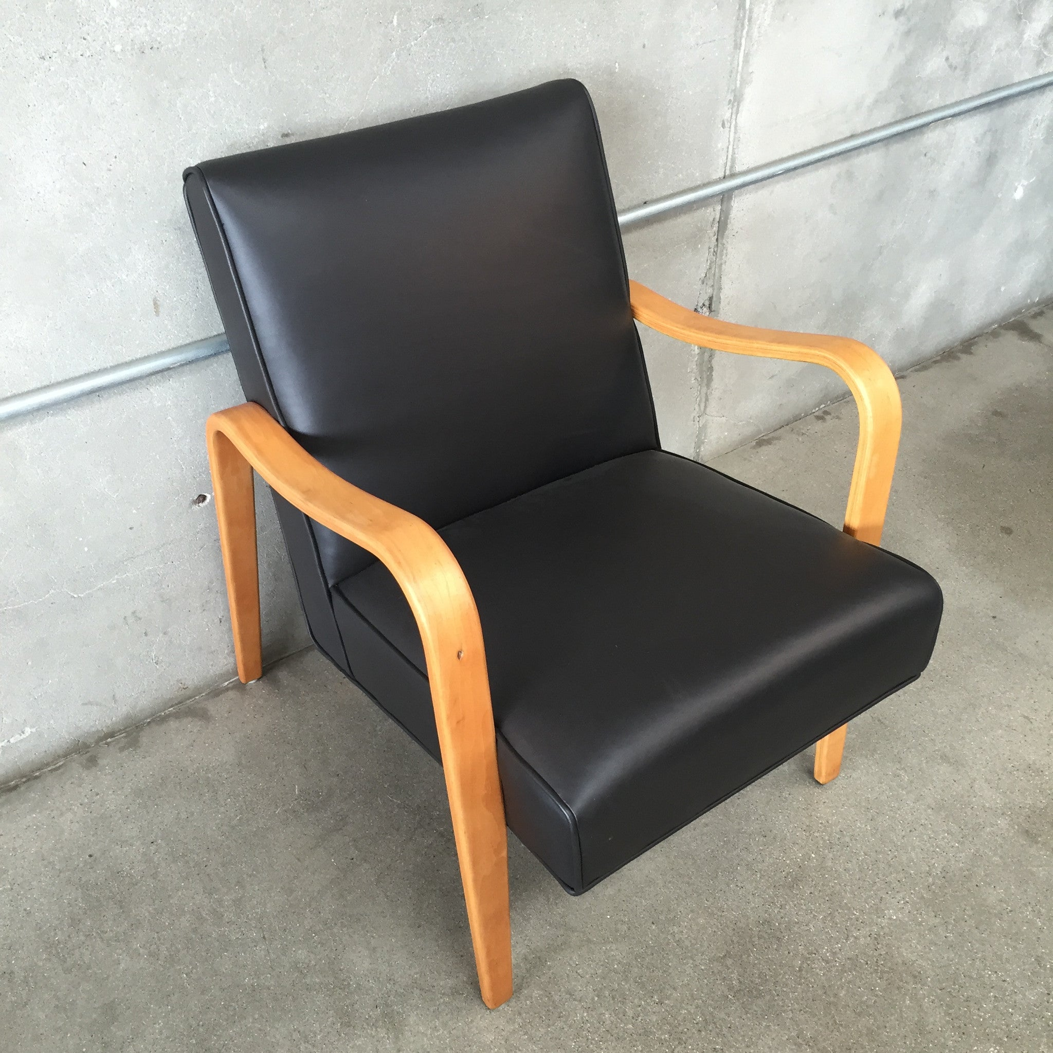 Bentwood lounge chair -  Thonet Bentwood Lounge Chair With New Leather Upholstery